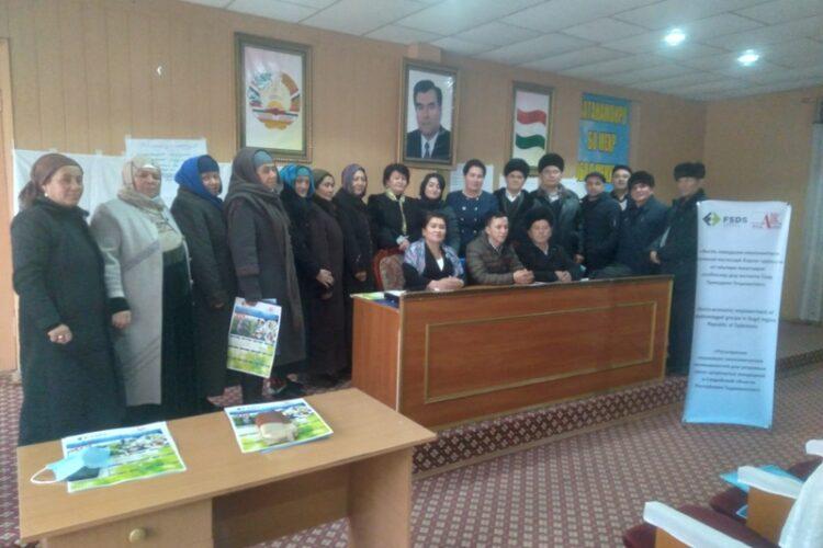 В таджикистане прошел круглый стол по теме трудоустройства